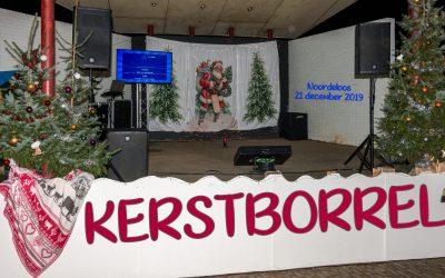 Foto's van de Kerstborrel Karaoke